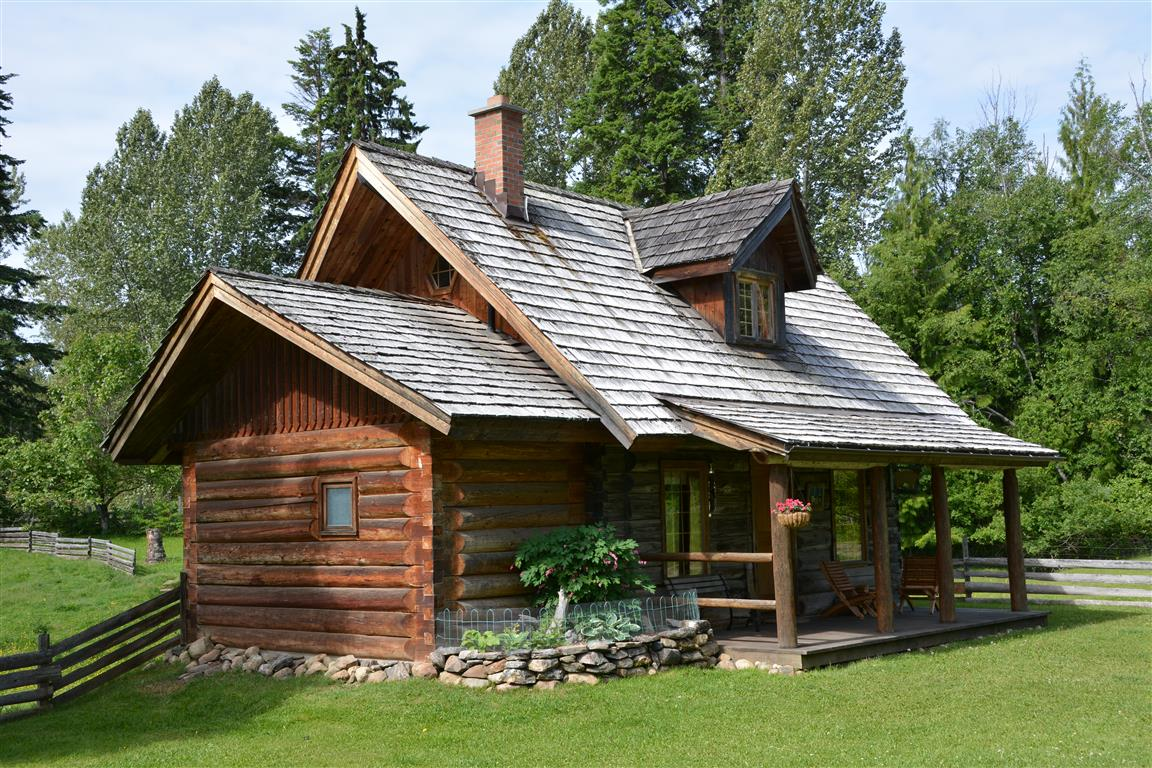 Log cabin in larch hills salmon arm british columbia canada for Canadian log cabins